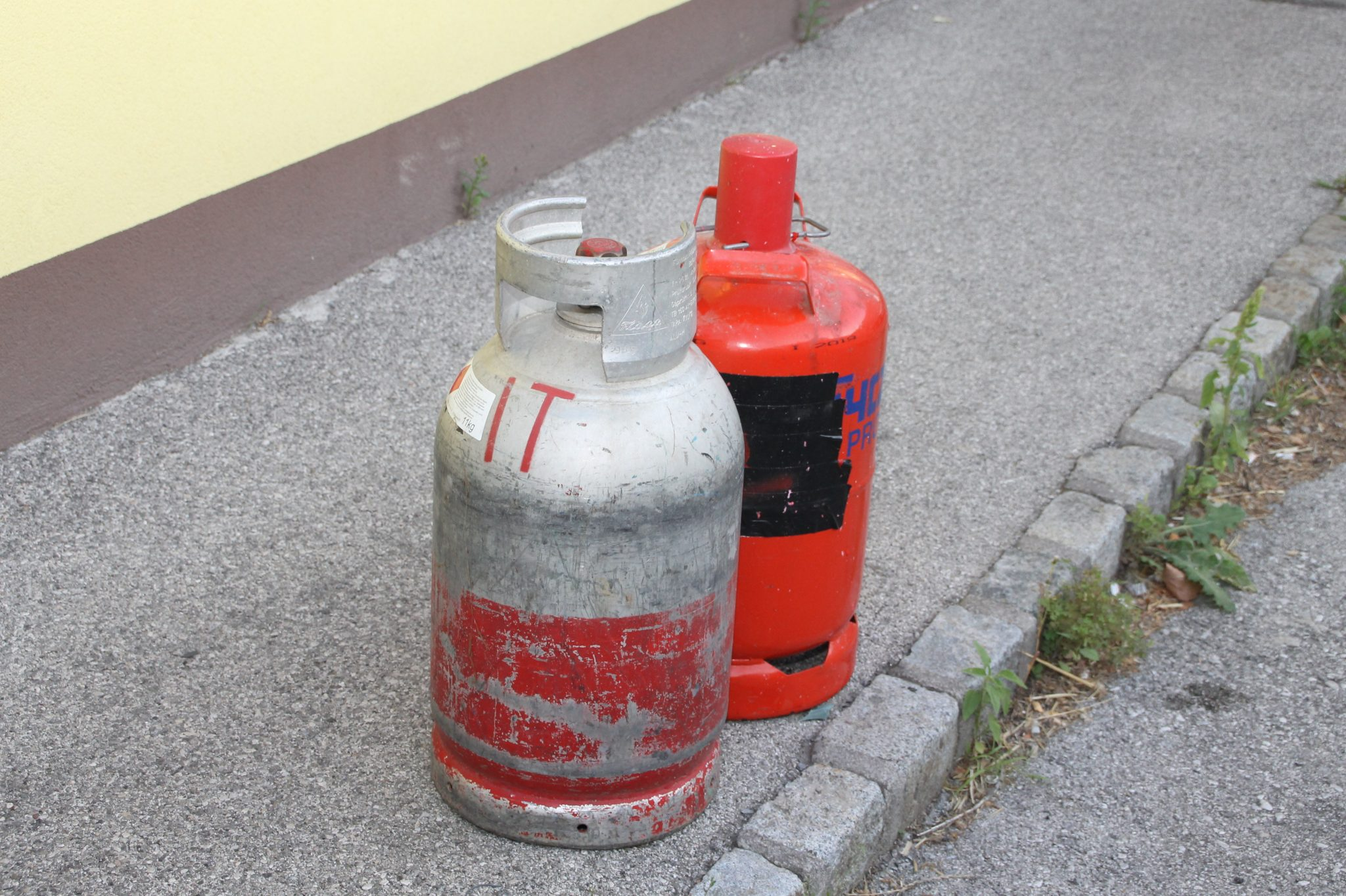 Gasflaschen wurden geborgn